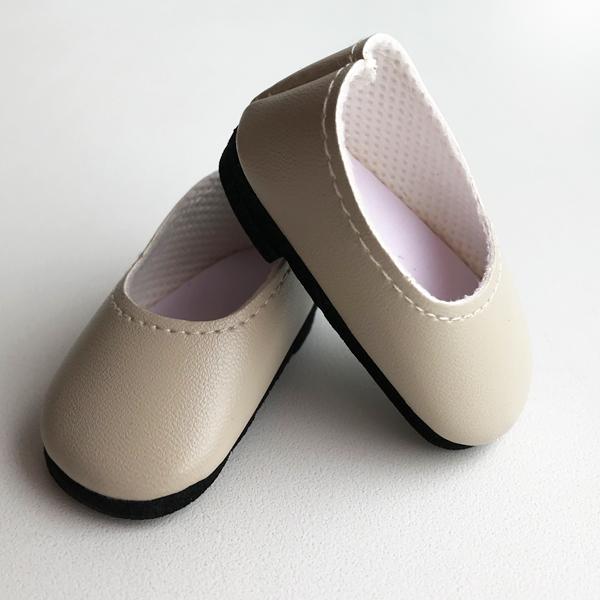 Туфли светло бежевые, на невысоком каблучке для кукол 32 см